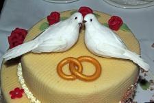 wedding-cake-170239_1920