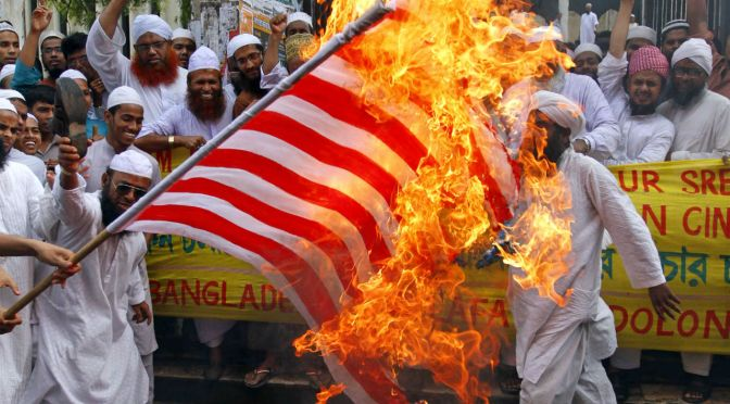 Elke moslim wil JOU doden!